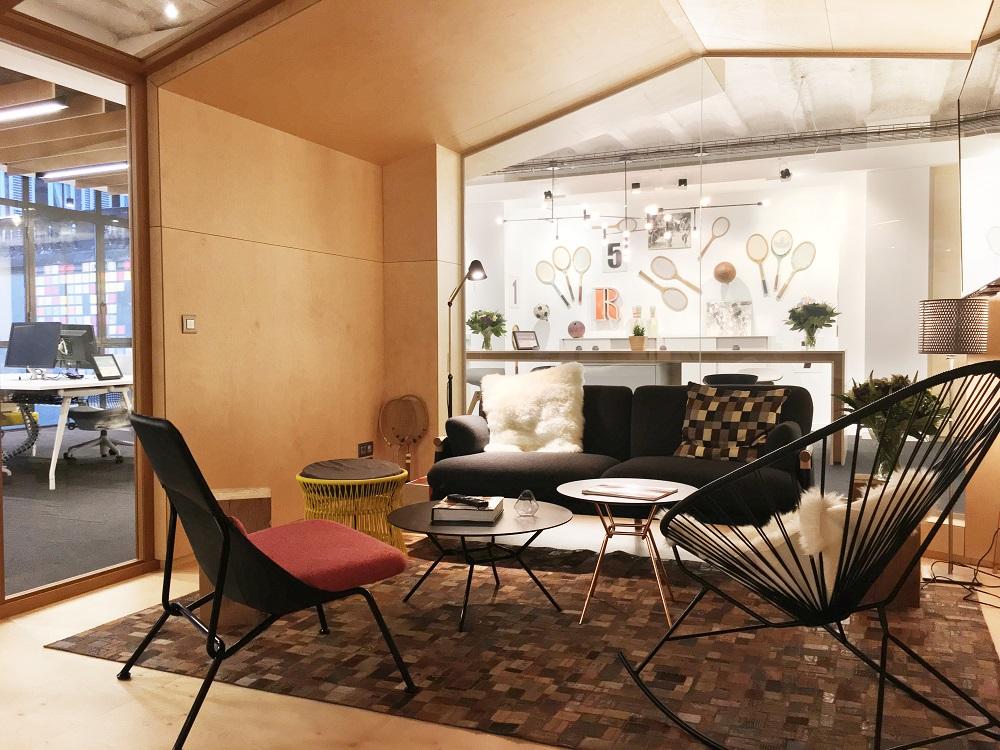 Artdesk Group 93 rue Monceau 75008 Paris ®Jim Winter Contact laurence Barthe (88)
